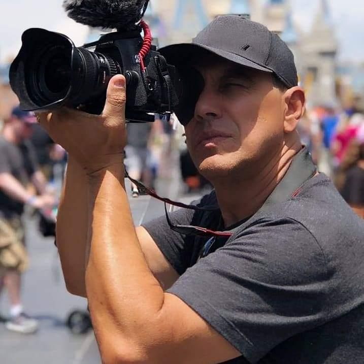 Diretor de TV Premiado na Europa usa a produção de conteúdo em vídeo como ferramenta de inclusão