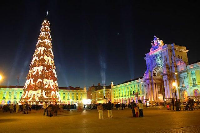 Hoje acendem as luzes de Natal em Portugal