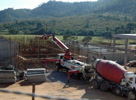 Prefeito Ocimar visita obras de concretagem da Estação de Tratamento de Esgoto de Itupeva