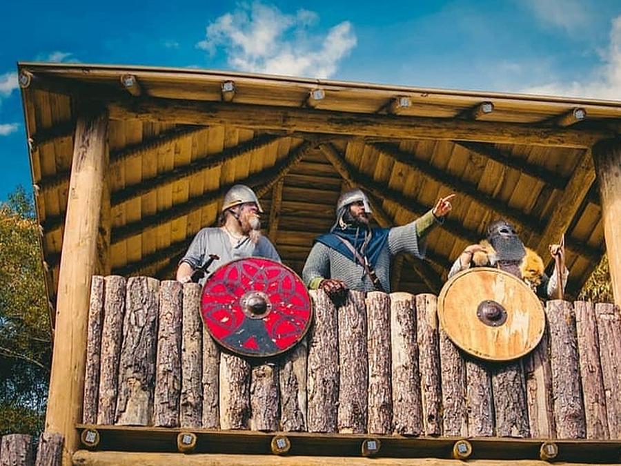 Vila Viking Brasil: imersão medieval no interior de SP